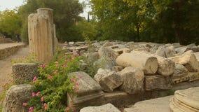腐朽在考古学挖掘的巨大的大理石石头选址,缺乏资助 影视素材