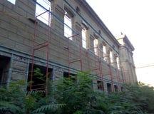 腐朽的废墟建筑学  免版税库存照片