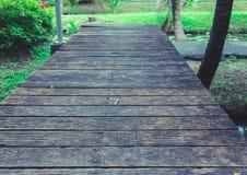 腐朽的木地板 图库摄影