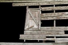 腐朽的木窗口 免版税库存照片
