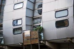 腐朽的现代公寓, Hawley月牙,坎登,伦敦 库存图片