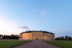 腓特烈斯贝城堡在哥本哈根在夜之前 库存图片