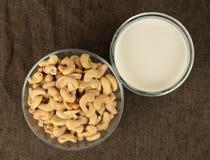 腰果牛奶 免版税库存照片