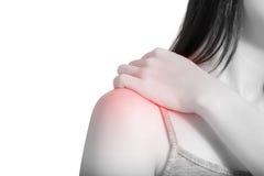 腰疼或痛苦的肩膀在白色背景隔绝的妇女 在白色背景的裁减路线 库存图片