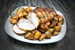 腰部盛肉盘被切的烤猪肉 免版税图库摄影