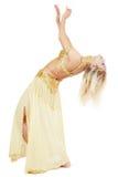 腹部弯曲的舞蹈演员 免版税图库摄影