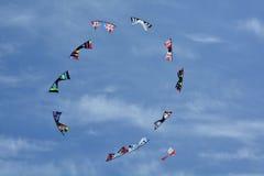 腾飞在天空的风筝 免版税库存图片