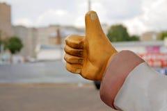 膏药雕塑手显示凉快的手 免版税库存图片