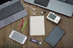 膝上型计算机、片剂和移动电话 免版税库存照片