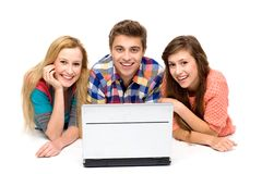 膝上型计算机人年轻人 库存图片