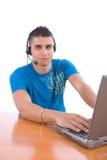 膝上型计算机人年轻人 免版税库存照片