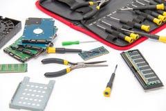 膝上型计算机修理工具和技术支持 免版税图库摄影
