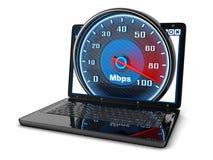 膝上型计算机和互联网速度 免版税库存照片