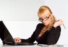 膝上型计算机好工作者 免版税库存照片