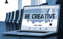膝上型计算机屏幕与是创造性的概念 3d 免版税库存照片