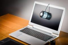 膝上型计算机屏幕calibtation 免版税库存图片