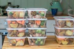 膳食预习功课 堆家煮熟的烘烤晚餐 库存图片