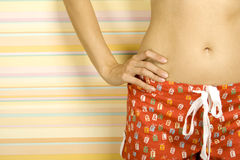 臀部红色短缺妇女年轻人 库存图片