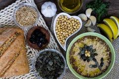 自创乳脂状的hummus食谱 可口的开胃菜 库存照片