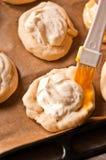 自创乳酪小圆面包 免版税库存照片
