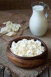 自创传统酸奶干酪ogranic牛奶店 库存照片