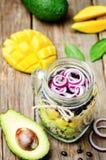自创健康沙拉用黑豆,菜,果子,  图库摄影