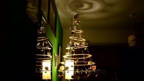 自创和现代圣诞树 股票视频