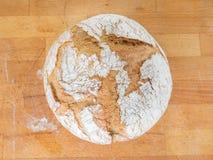 自创圆的面包 免版税库存图片