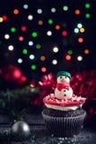 自创圣诞节甜点杯形蛋糕 免版税库存图片