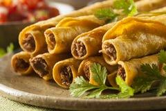自创墨西哥牛肉Taquitos 免版税库存图片