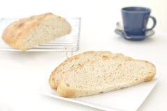 自创大蒜&迷迭香foccacia面包 免版税库存图片