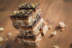 自创工艺甜点用巧克力和花生 免版税库存照片