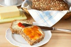 自创新鲜的面包 图库摄影