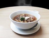 自创普遍的中国食物热的生气勃勃可口鱼鱼鳔s 免版税库存照片