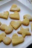 自创曲奇饼在各种各样的形状画象庄稼 图库摄影