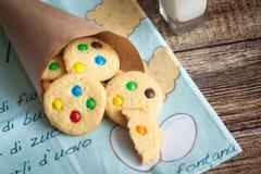 自创曲奇饼用在短号的颜色糖果 库存图片