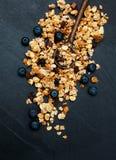 自创格兰诺拉麦片用蓝莓 库存照片