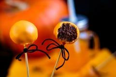 自创橙色万圣节巧克力candys 免版税库存图片