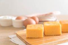 自创橙色蛋糕 免版税图库摄影