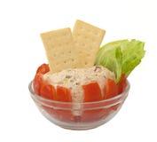 自创沙拉西红柿原料金枪鱼 库存图片