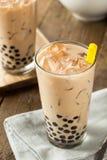 自创牛奶泡影茶用珍珠粉 免版税库存图片