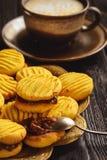 自创玉米一种油脂含量较高的酥饼用焦糖调味汁 免版税图库摄影