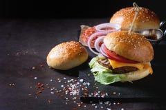 自创的汉堡 免版税图库摄影