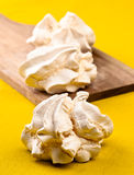 自创的蛋白甜饼 免版税图库摄影