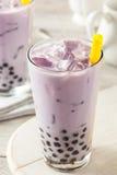 自创芋头牛奶泡影茶用珍珠粉 免版税库存图片