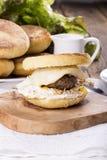 自创英格兰式松饼早餐三明治 库存图片