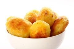 自创被烘烤的土豆用大蒜 选择聚焦 图库摄影