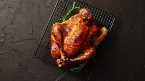 自创被烘烤的鸡用迷迭香草本 股票视频