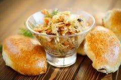 自创饼用圆白菜和德国泡菜 库存图片