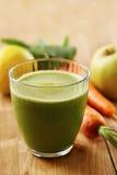 自创素食主义者绿色汁液 免版税库存图片